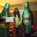 Dos Heineken y un jipi