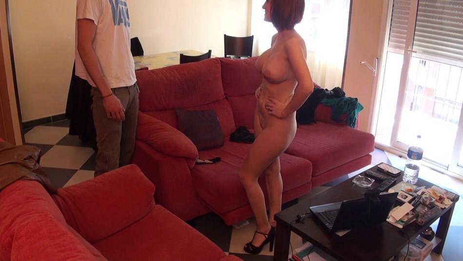 Encontrandosela desnuda