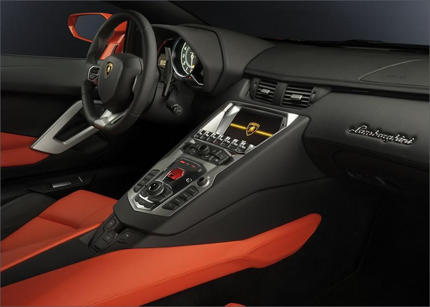 Interior del Lamborghini Aventador