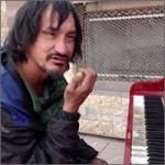 piano-homeless