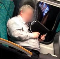 Adelantando trabajo en el tren