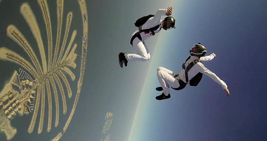 Salto sincronizado sobre Dubai