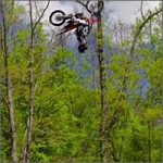 Triple backflip en moto