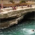 saltando-pool