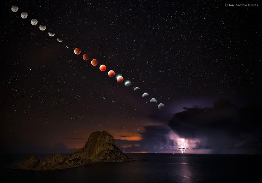 luna de sangre desde Ibiza