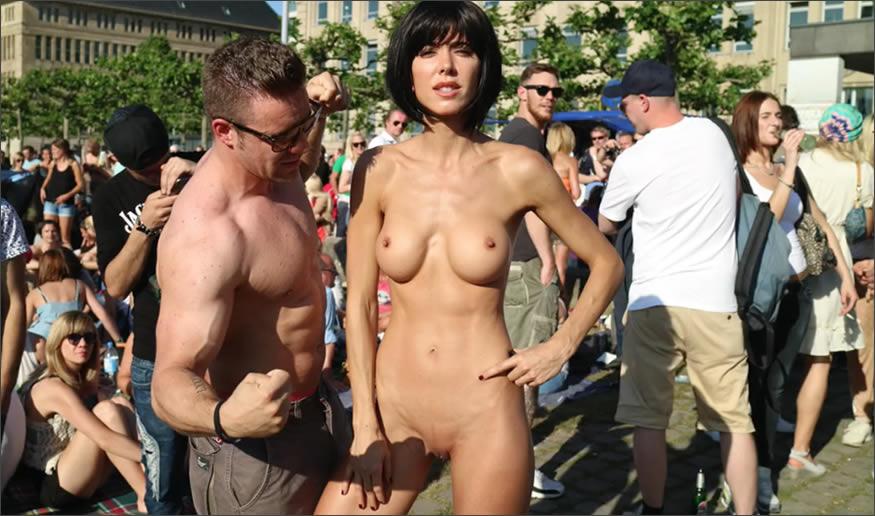 performance-nude