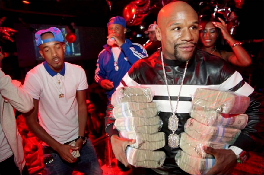 Floyd Mayweather presumiendo de billetes