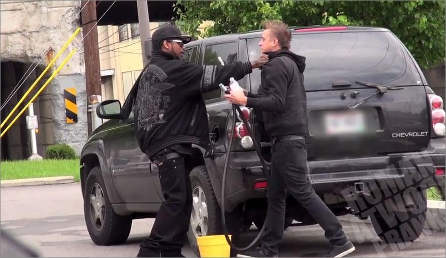 robando gasolina