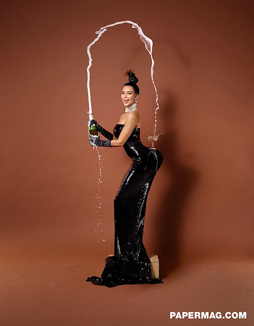 Kim Kardashian se desnuda