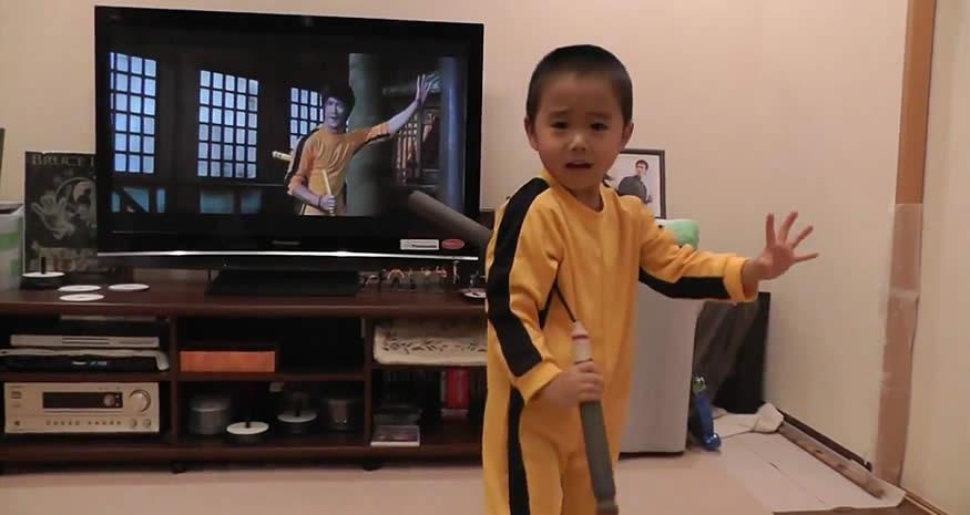 El mini Bruce Lee de 4 años