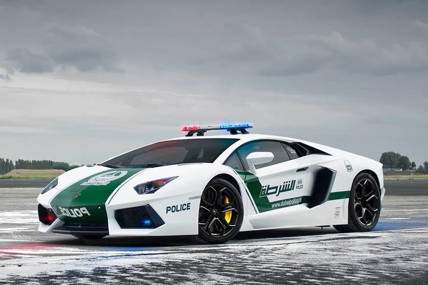Los coches de policía en Dubái