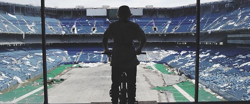 BMX en un estadio abandonado