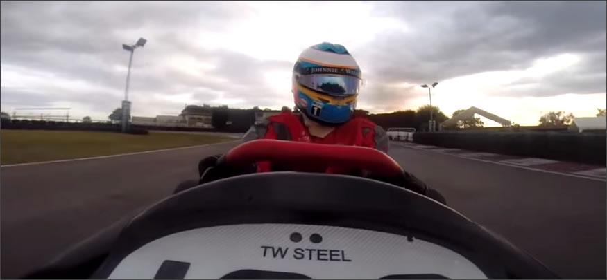 Fernando Alonso se desfoga con los karts