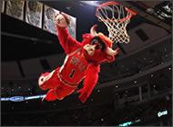 Benny la mascota de Chicago Bulls