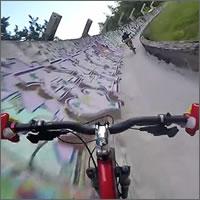 Descenso en MTB por una pista de bobsleigh abandonada