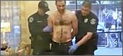 Policía confunde la polla del detenido con un arma