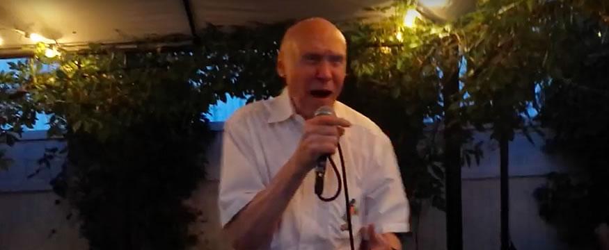 abuelo-karaoke