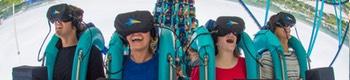 Montaña rusa con realidad virtual title=